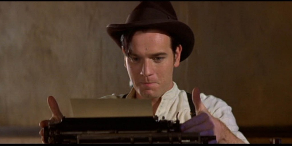 ewan-macgregor-typewriter-moulin-rouge