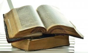 bible-1215861_1920 (1)
