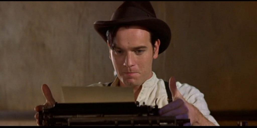 ewan-macgregor-typewriter-moulin-rouge